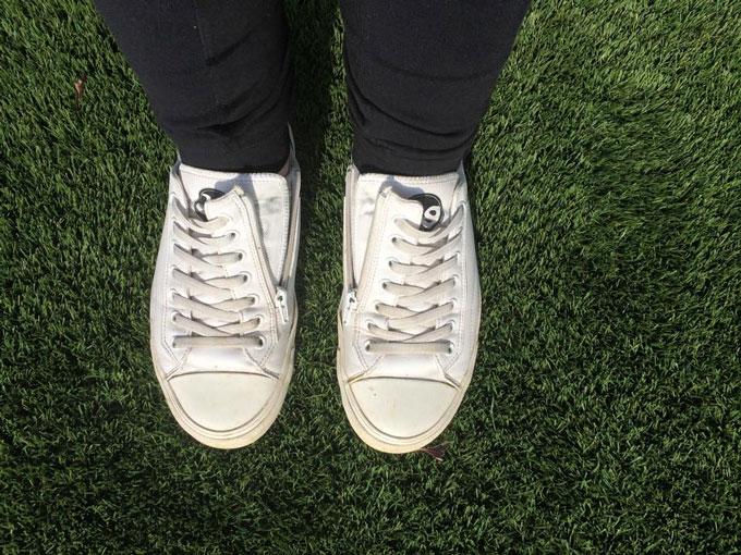 No me puedo atar las zapatillas